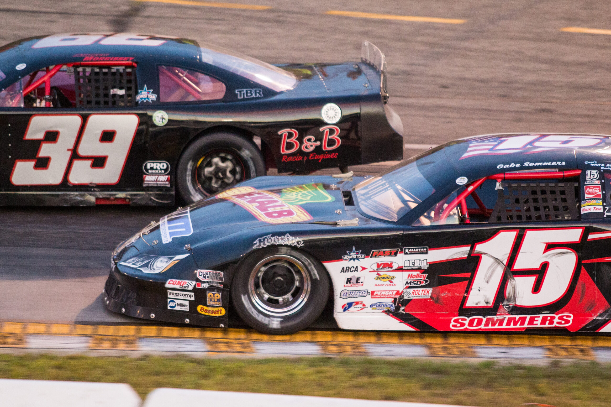 Sommers vies for win at Dells Raceway